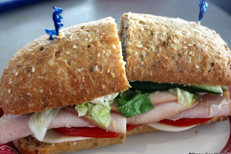 Sanduíche de peru: uma opção mais light para quem ainda quer comer sanduíche mas quer fugir do tradicional hambúrguer.