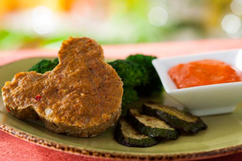 Opção infantil (kids menu) do Be Our Guest: esse bolo de carne de peru com vegetais é uma opção mais saudável para o dia no parque