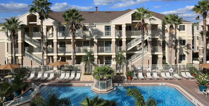 Hotel Flat bom e barato próximo à Disney | Staybridge Suites
