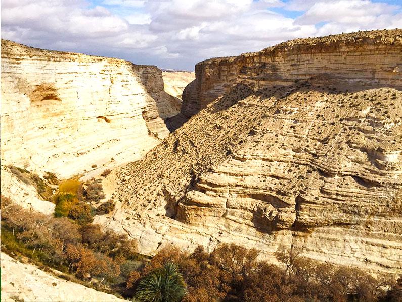 dicas-trilhas-em-desertos-canyon-neguev