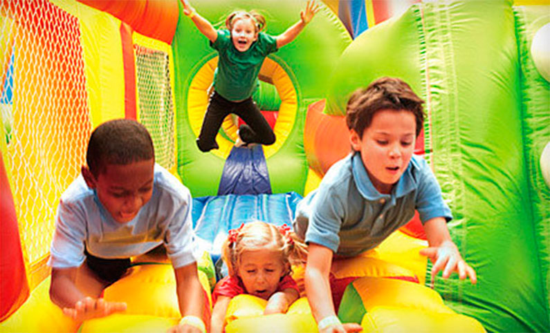 crianca-pula-pula-play-area-brinquedoteca