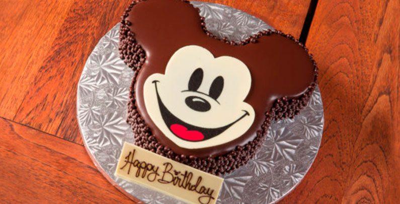 Aniversário na Disney –  Comemore com bolo do Mickey