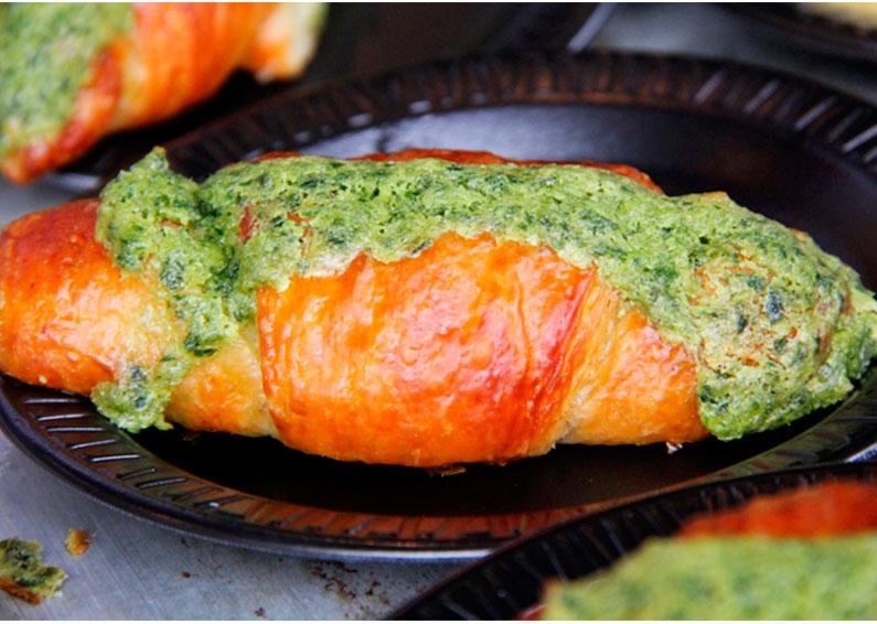 croissant-de-escargot-no-epcot-food-wine-festival