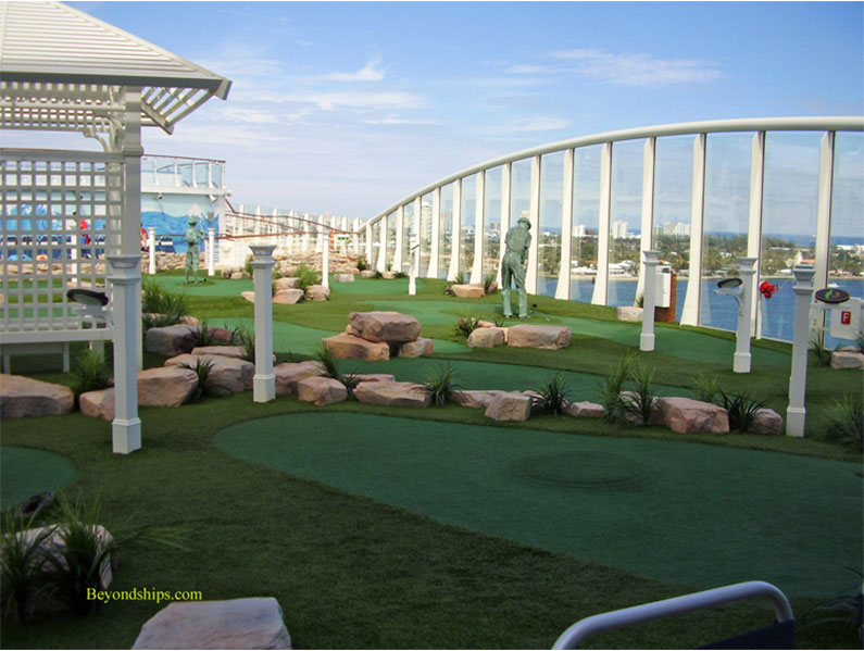 mini-golfe-no-navio-classe-oasis-royal