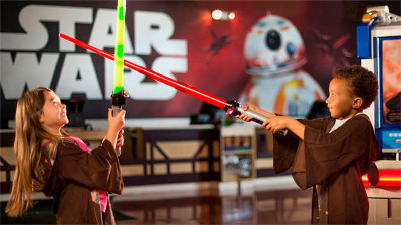 star-wars-loja-area-exclusiva-disney-springs-once-upon-a-toy