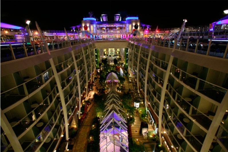 jantar-restaurantes-navios-cruzeiro-oasis-of-the-seas-harmony-allure